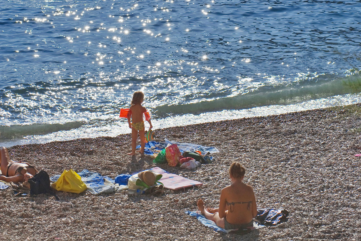 Detail from the Gusarica beach, which is located just below the Bisevo Hotel