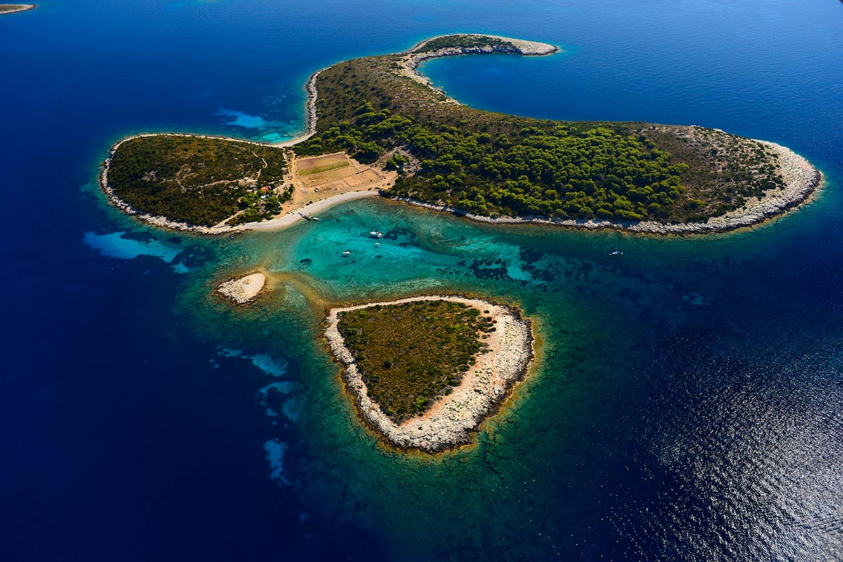 Veli and Mali Budikovac are small islands that are a part of Vis archipelago